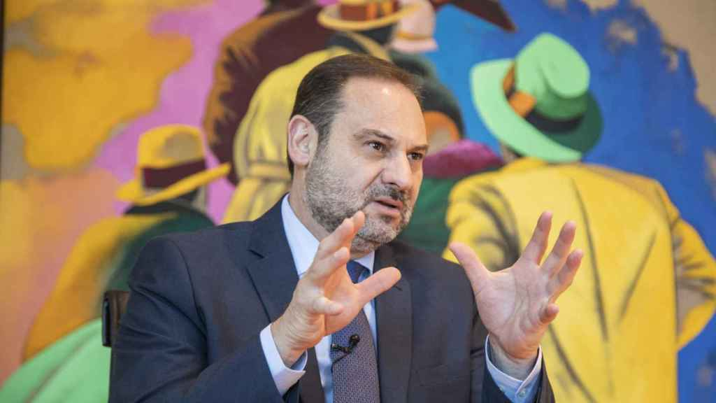 José Luis Ábalos, durante un momento de la entrevista.