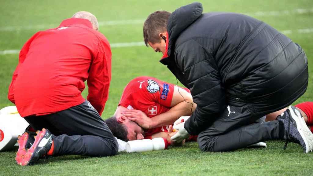 Schär queda inconsciente tras un fuerte golpe