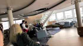 Caos en el interior del crucero de lujo Sky Viking.