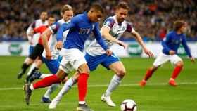 Mbappé en el duelo ante Islandia
