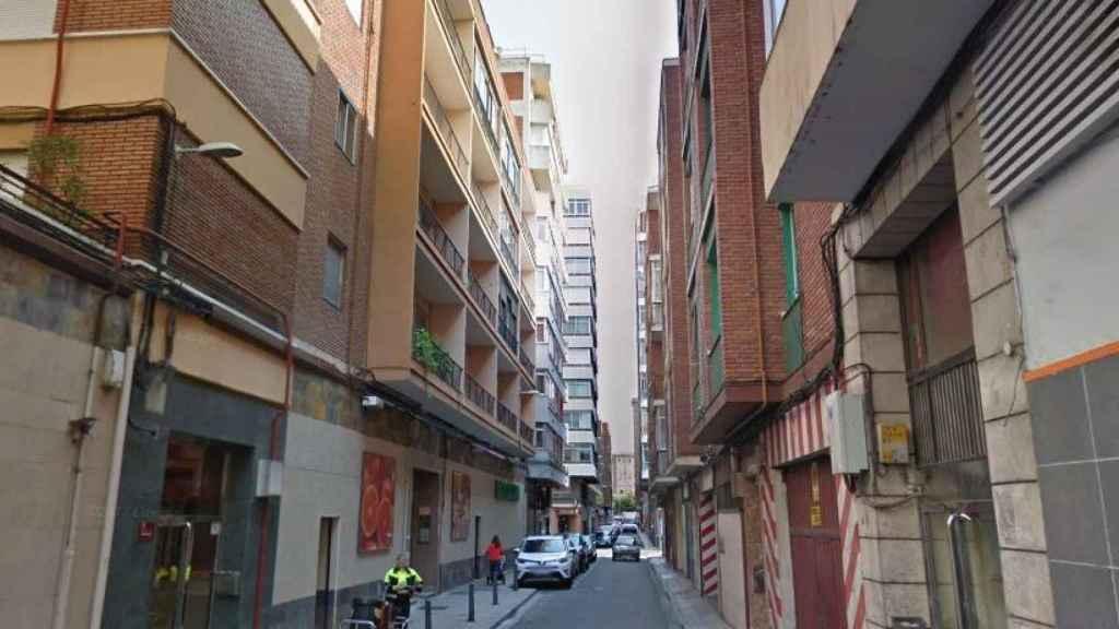 Una de las calles de Valladolid en las que tuvieron que intervenir en una vivienda
