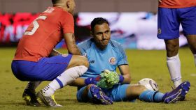 Keylor Navas lamenta el gol encajado en el Costa Rica - Jamaica