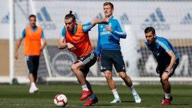 Bale, Kroos y Ceballos en el entrenamiento del Real Madrid