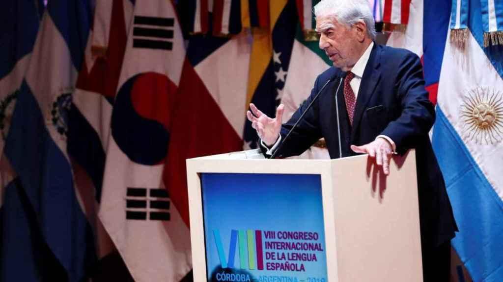 Vargas Llosa durante la inauguración del VIII Congreso de la Lengua Española.