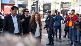 Shakira y Carlos Vives, antes de declarar en el juicio.