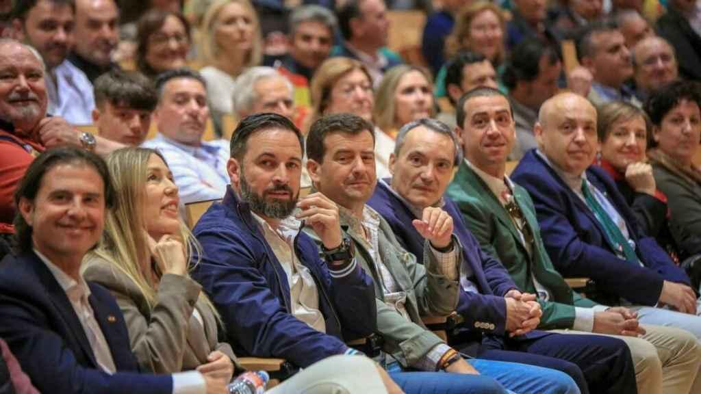 Santiago Abascal en Ciudad Real este sábado junto a Ricardo Chamorro (dcha).