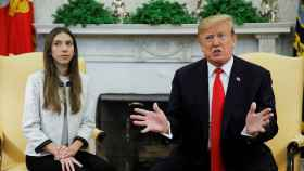 Donald Trump junto a la esposa de Juan Guaidó, Fabiana Rosales, en la Casa Blanca.