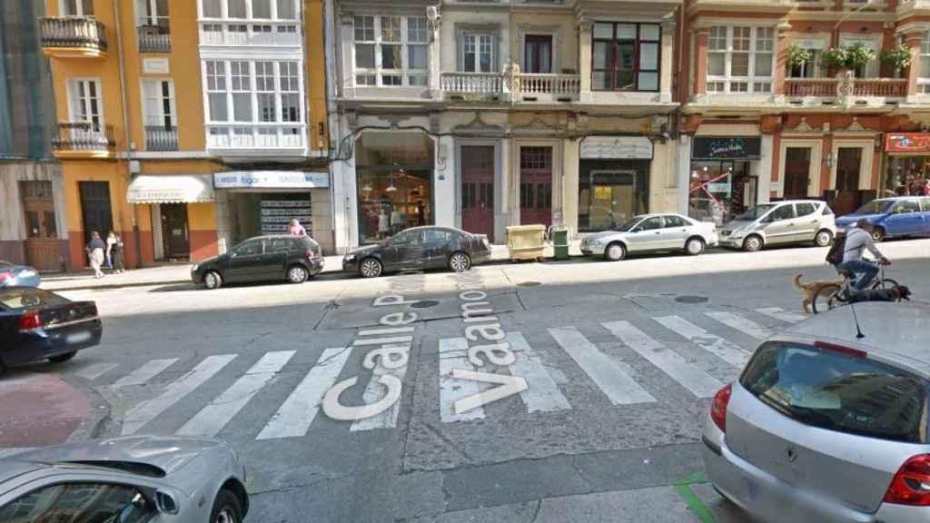 Paso de peatones de la calle en la que murió el joven