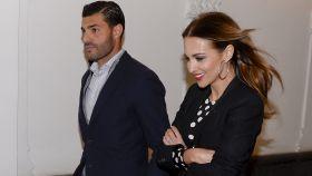 Miguel Torres y Paula Echevarría, en la primera imagen que existió de ambos paseando por Madrid.
