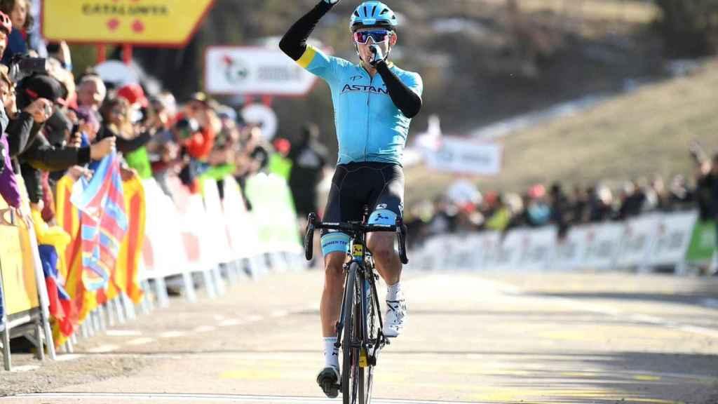 Miguel Ángel López tras conquistar la cuarta etapa de la Volta Catalunya. Twitter: (@AstanaTeam)