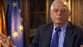 Imagen de Borrell cuando decide parar la entrevista con DW.