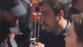 Alberto Garzón en la concentración de los trabajadores de Alcoa frente al Congreso.