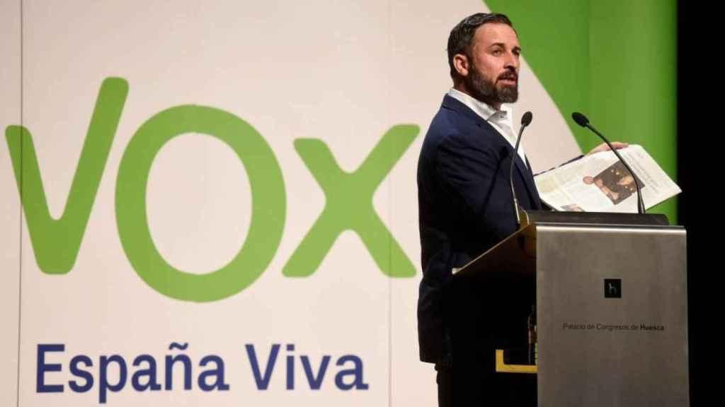 El líder de Vox, Santiago Abascal, durante su mitin en Huesca este martes.