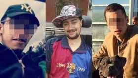 Sergio, en el centro, y sus agresores condenados, a ambos lados.