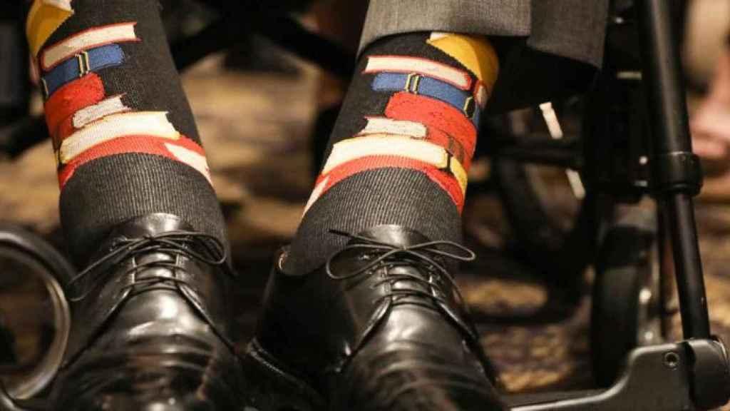 Los calcetines de George Bush padre durante el funeral de su esposa Barbara.