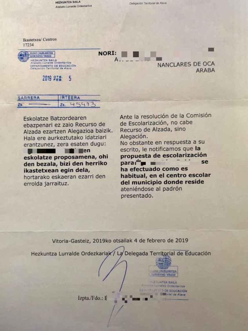 Respuesta negativa de la delegada de Educación en Vitoria.