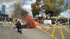 Incidentes provocados por las CUP, Arran y los CDR contra la manifestación de Vox en Barcelona.