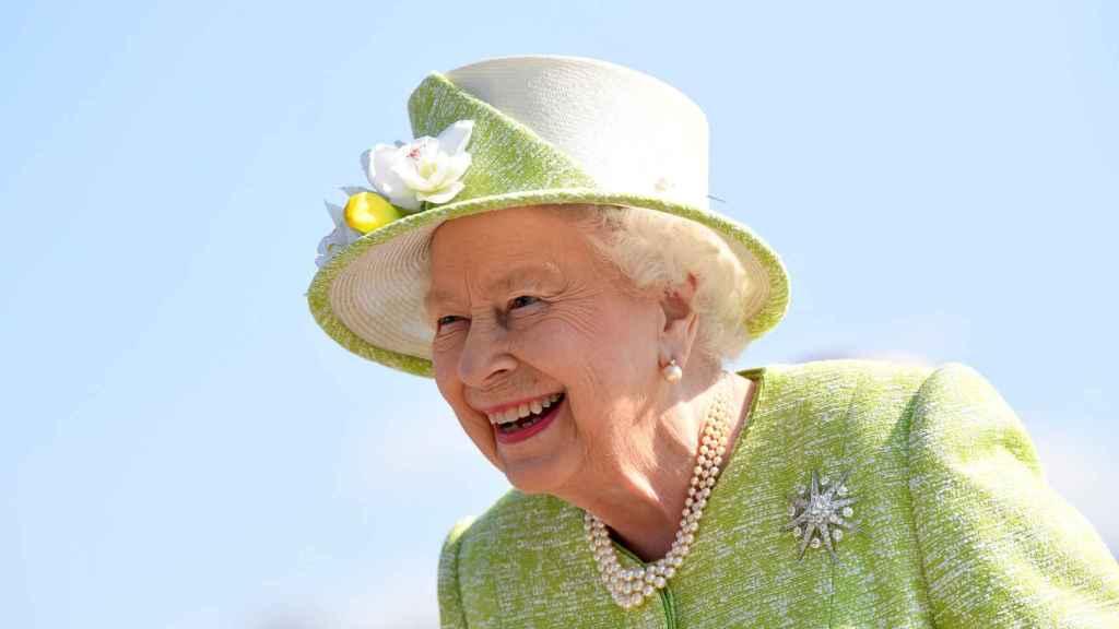 La reina Isabel ha entregado su carnet de conducir.