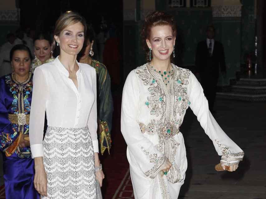 La renia Letizia y Lalla Salma mostraron una gran complicidad en 2014, durante la visita oficial de los Reyes de España.