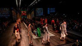Modelos desfilando de Silvia Tcherassi en ell Bogotá Fashion Week