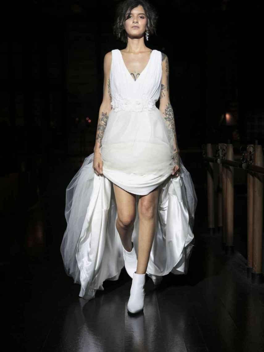 Vestido de falda de tul estilo princesa de C&A. Precio, 179 euros.