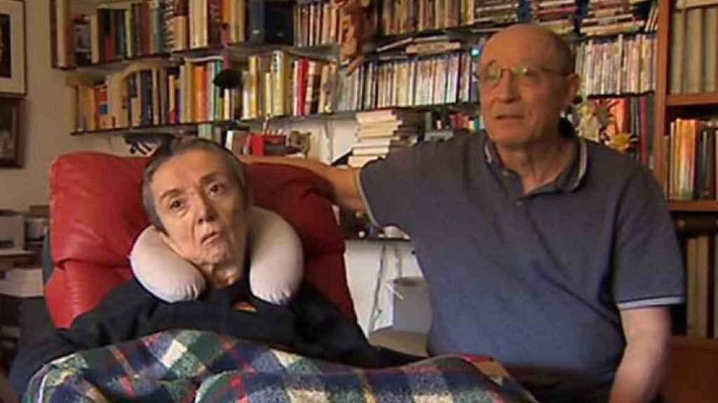 Captura del vídeo en el que Ángel explica la grabe situación en la que se encuentra y mujer y el deseo que tiene de morir.