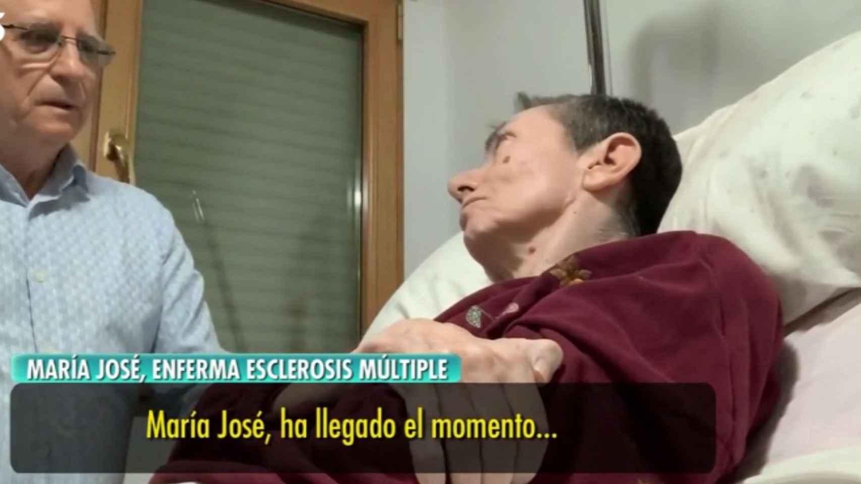 Ángel ayuda a María José a a morir.