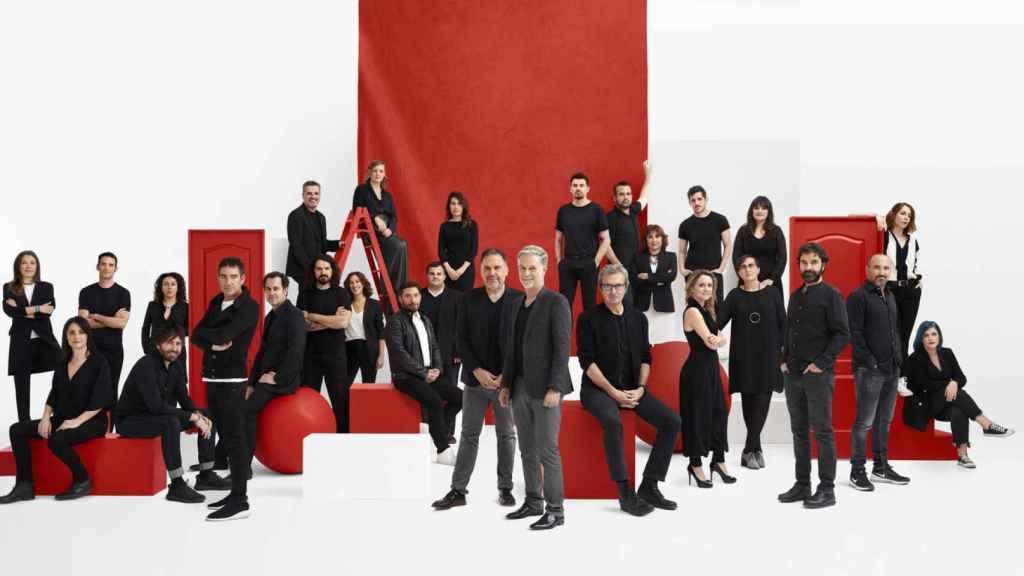 Todo el talento español fichado por Netflix junto a Reed Hastings y Francisco Ramos.