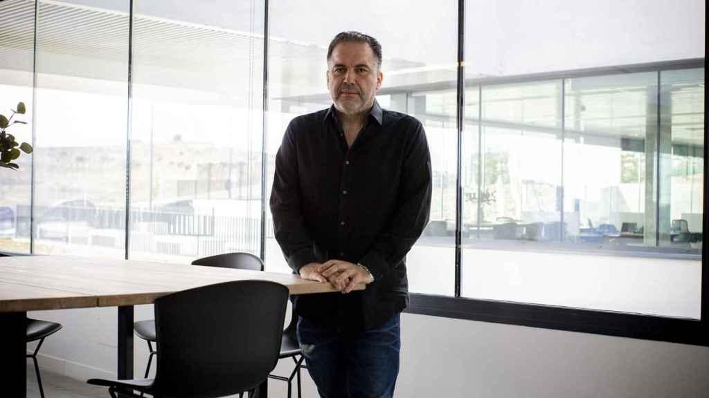 Francisco Ramos en las oficinas del hub de producción en Madrid.