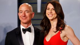 Jeff Bezos junto a su exmujer, MacKenzie Tuttle.