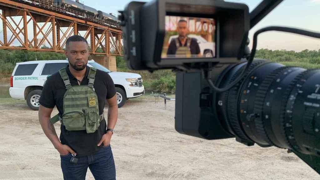 El reportero de la Fox Lawrence Jones desde la frontera.
