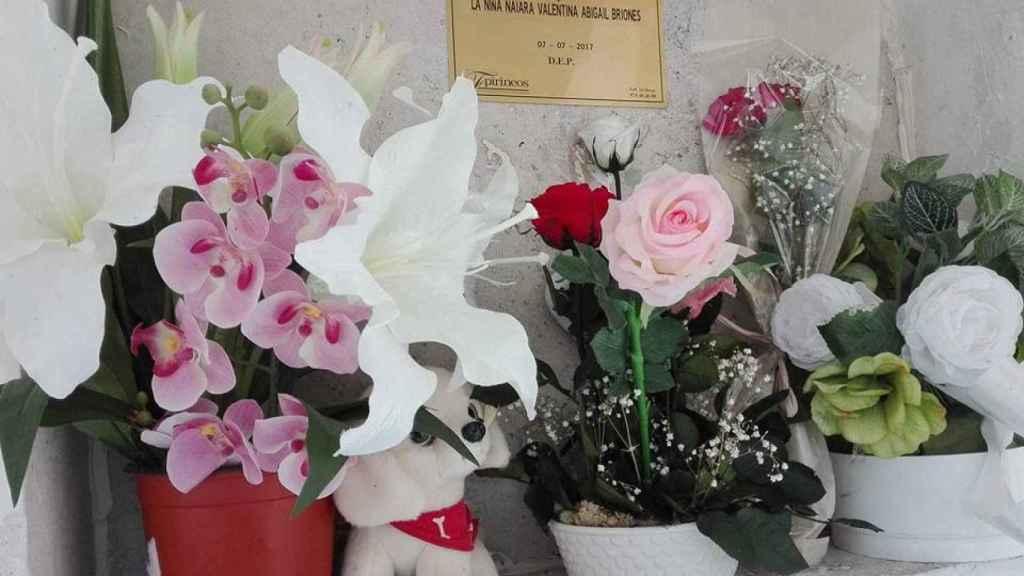 El padre de Naiara solo ha podido visitar una vez su tumba.