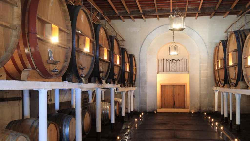 Así descansan los vinos en Domaines Ott.