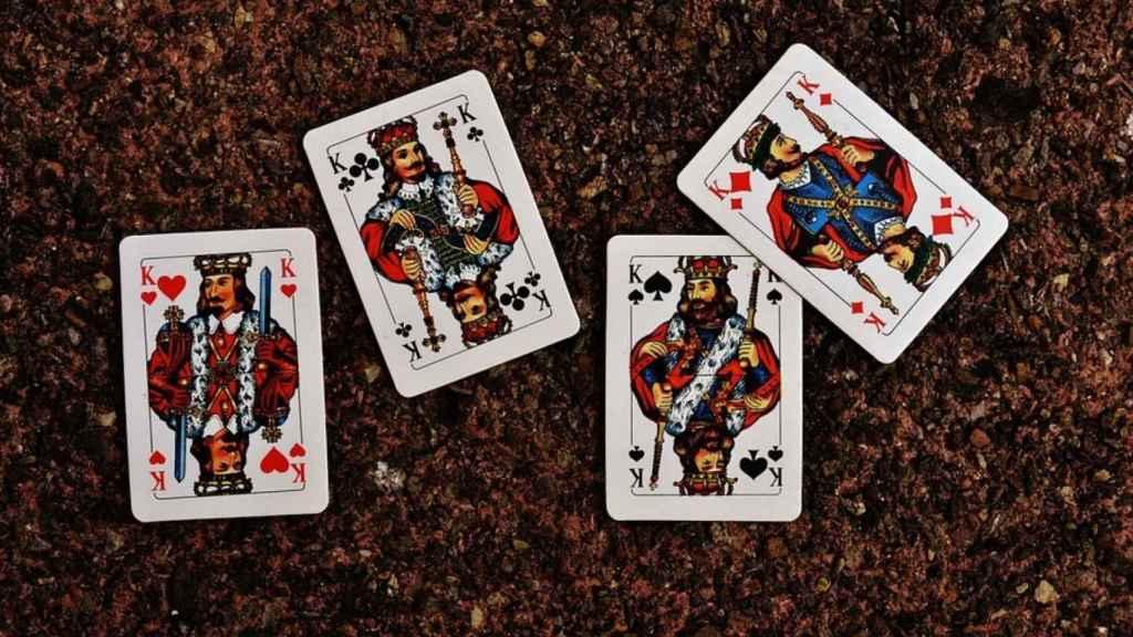cuatro reyes cartas baraja