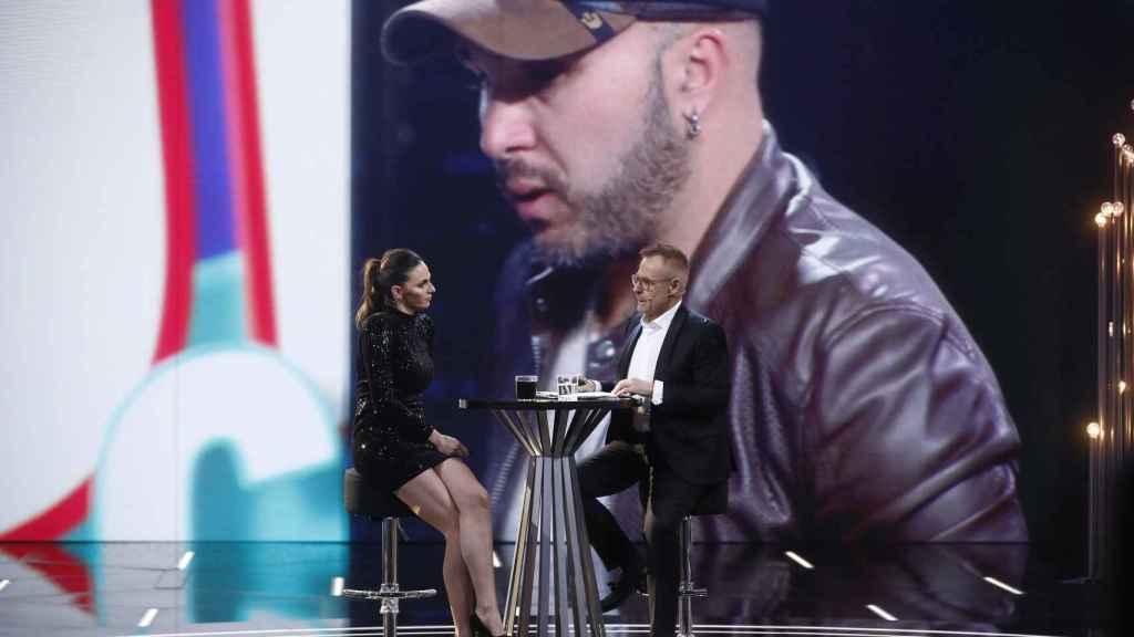 Irene, en el plató con Jordi González, contestó a todas las preguntas de los colaboradores.