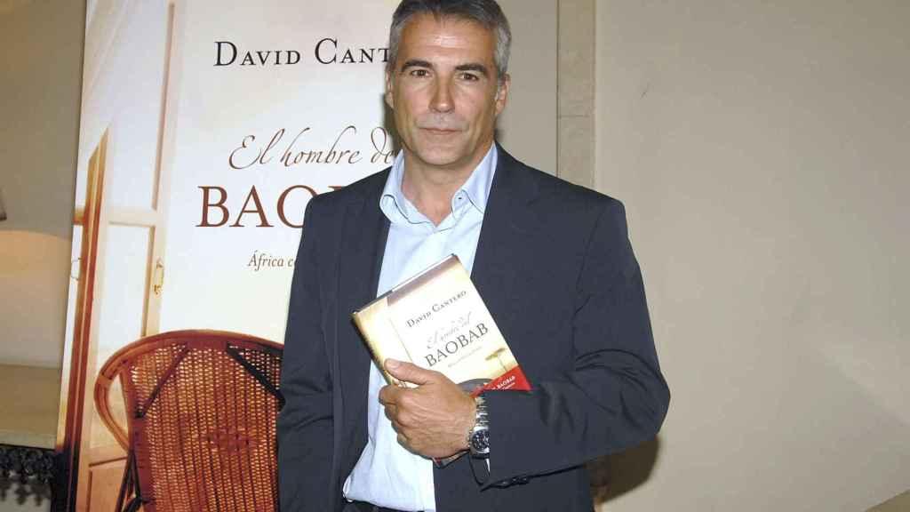 David Cantero posando durante la promoción de su libro 'El hombre de Baobab'.