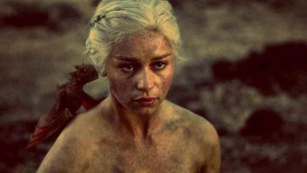 Daenerys, madre de dragones.