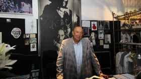 El diseñador Francis Montesinos durante la inauguración de una tienda de su firma en Valencia.