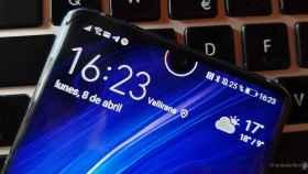 Personaliza el notch redondo de tu móvil con un indicador de batería