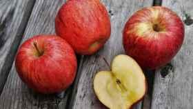 Unas manzanas rojas en perfectas condiciones.