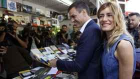 Pedro Sánchez en la Feria del Libro. EFE.
