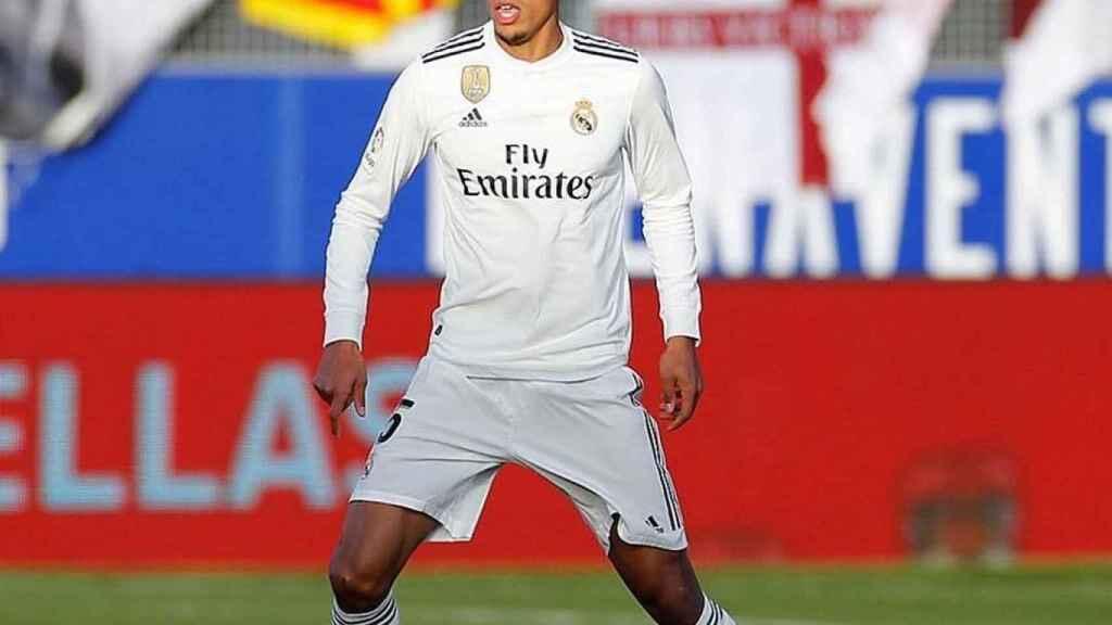 Varane, en un partido del Real Madrid. Foto: Instagram (@raphaelvarane)