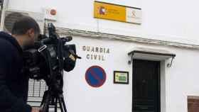 Cuatro agentes de la Guardia Civil destinados en Isla Mayor fueron detenidos por los hechos.