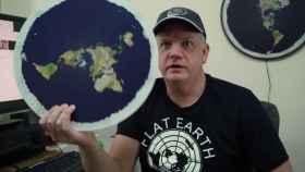 Fotograma del documental 'La Tierra es plana'.