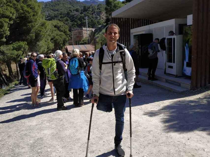 El profesor Marcos González en la entrada del sendero Camino del Rey (Málaga)
