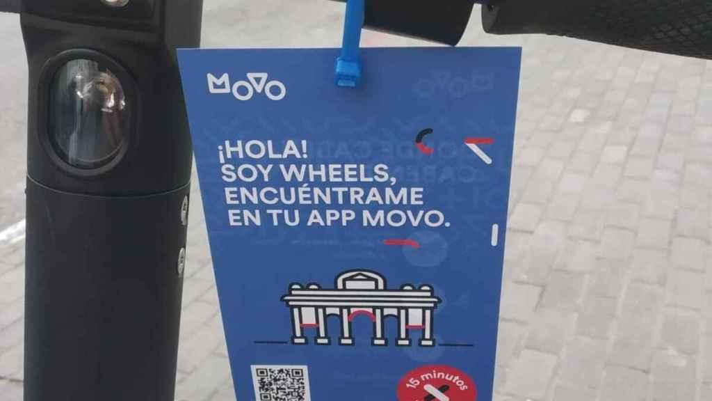 Etiqueta de los patinetes Movo, presentados como 'Wheels'.