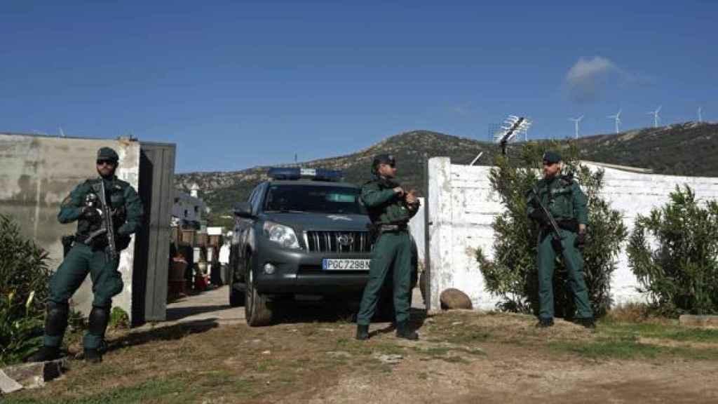 En la última fase de la 'operación Green', llevada a cabo por la Guardia Civil esta misma semana, se detuvo a diez personas relacionadas con el tráfico de hachís. Dos de los arrestados eran guardias civiles corruptos.