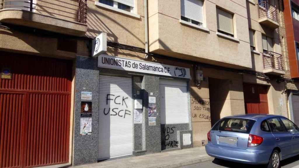 Pintadas en la sede de Unionistas.