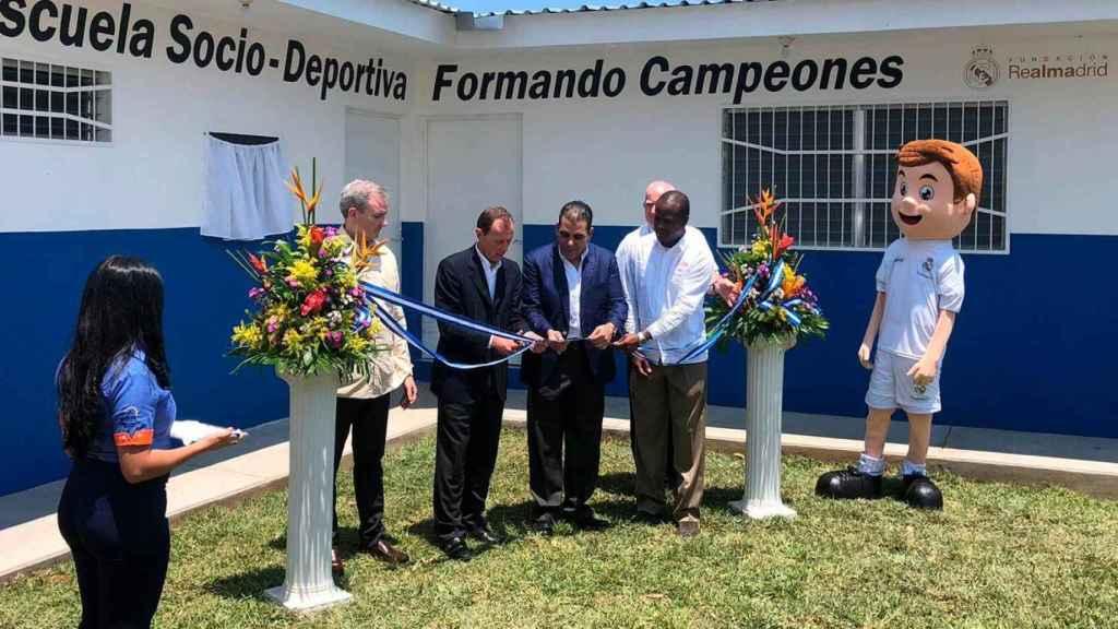Inauguración de la escuela en Honduras