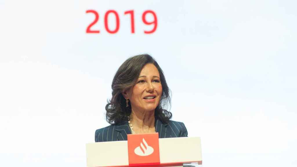 Ana Botín durante su discurso en la Junta General de Accionistas del Banco Santander.